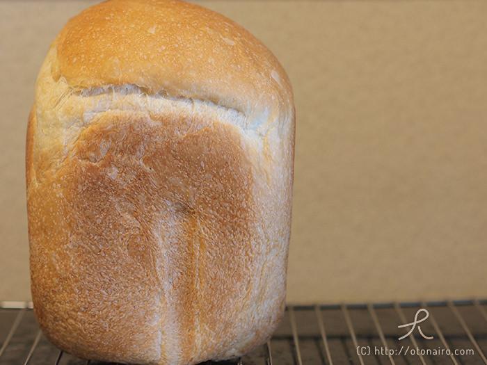 SD-BH1001-Rで焼いた食パンの全体像